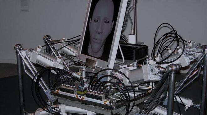 Стеларк (Австралия). «Ходячая голова», 2007. Видеодокументация проекта, 6 мин. 47 сек.