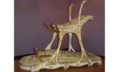 стул любви сделанный специально будущего короля англии 1890