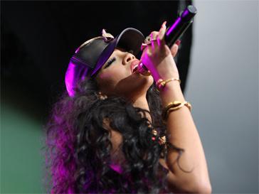 Рианна (Rihanna) любит подкрепиться перед выступлением.