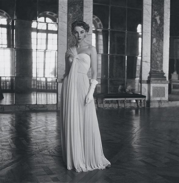 Модель в платье Grès, 1952 год.