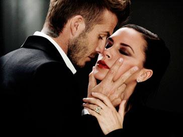 Виктория Бекхэм (Victoria Beckham) и Дэвид Бекхэм (David Beckham) остаются одной из самых счастливых звездных пар