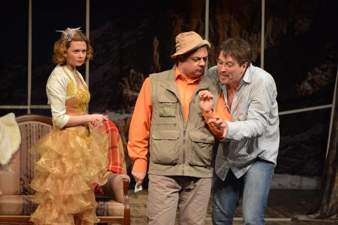 Андрей Леонов в спектакле Западня