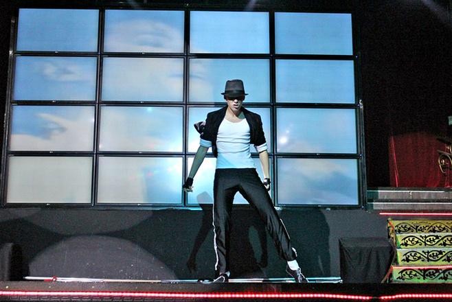 День рождения Майкла Джексона - танцует Андрей Перов