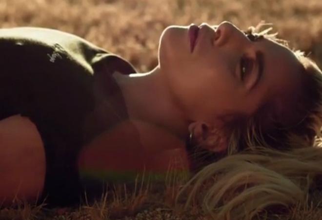 Гага впервые позволила себя увидеть настоящей