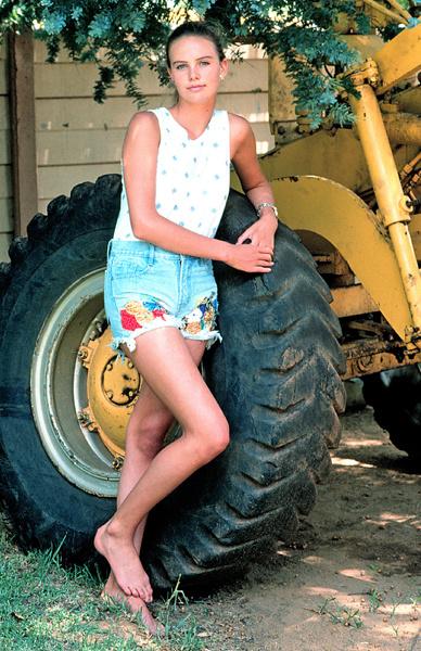 Шарлиз Терон, 1992 год