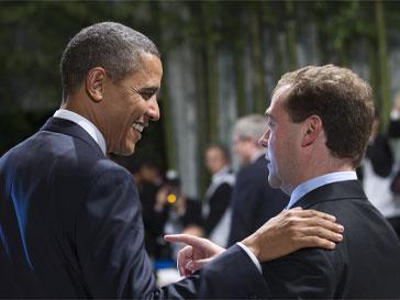 Барак Обама (Barack Obama) и Дмитрий Медведев встретились на саммите АТЭС как друзья