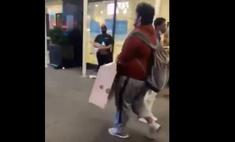 Мужик украл из нью-йоркского Apple Store компьютер, и его тут же ограбили
