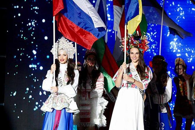 Белоруска Светлана Кузнецова одолела вмеждународном конкурсе «Миссис земной шар»