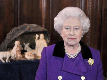 Елизавета II встретится с родителями Кейт Миддлтон (Kate Middlеton) не раньше свадьбы