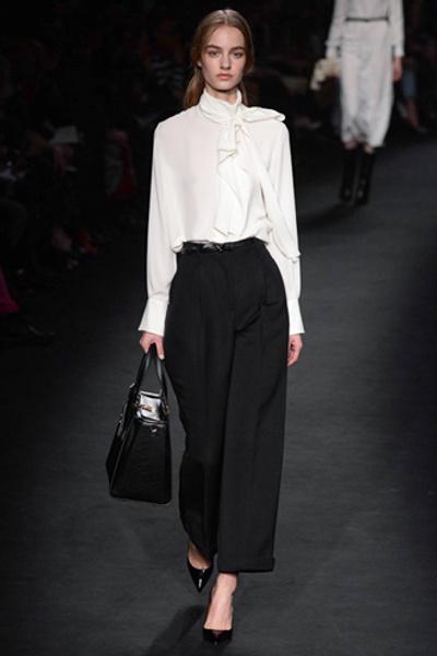 Неделя моды в Париже: показ Valentino ready-to-wear осень — зима 2015-2016 | галерея [1] фото [29]