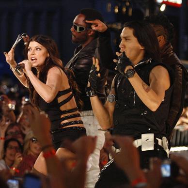 Выступление «Black Eyed Peas»