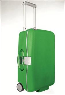 С чемоданом Samsonite травяного цвета хочется отправиться в тропические леса или парки зеленой Ирландии.