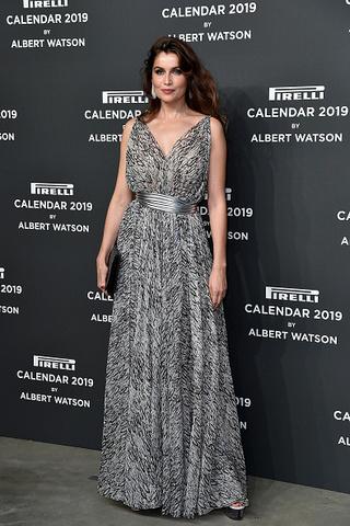 Звездные наряды на презентации календаря Pirelli 2019