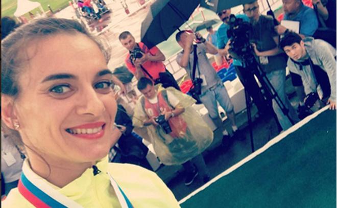 Волгоградцы поддержали флешмоб #медальИсинбаевой #прыгайкакИсинбаева