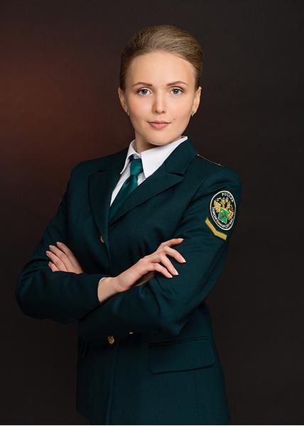 Просмотр фотосета девушка в униформе фото 545-703