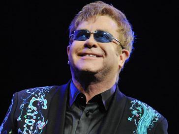 Элтон Джон (Elton John) попал в неловкую ситуацию