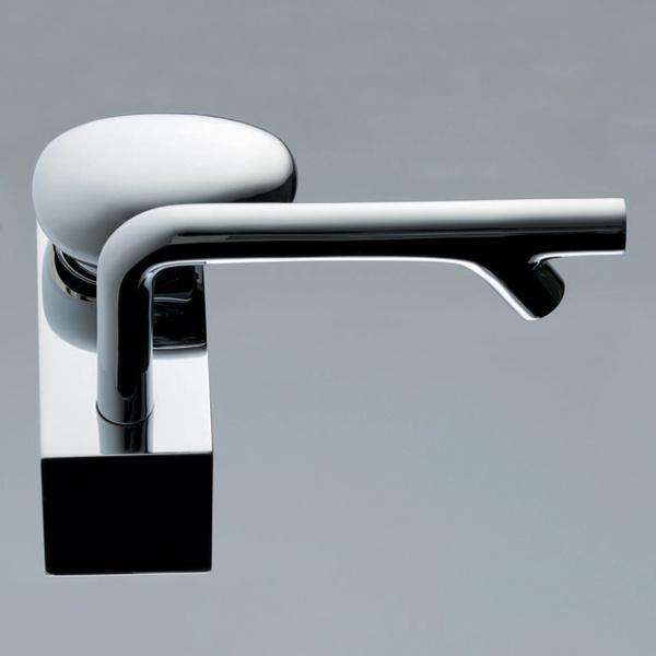 Новый модельный ряд смесителей VitrA MOD (VitrA, Турция) разработал известный английский дизайнер Росс Лавгроув. Коллекция оформлена в характерном для Лавгроува стиле «биоморфной пластики».