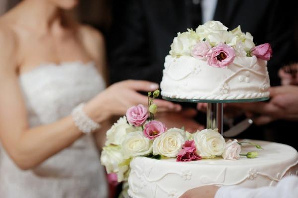 Оформление надписи на торте