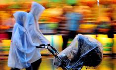 Неявная угроза: дождевик для коляски едва не убил ребенка