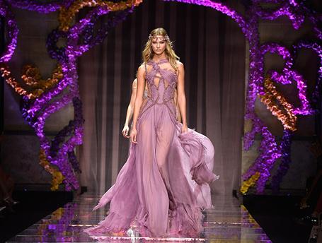 Дети цветов: показ новой коллекции Atelier Versace