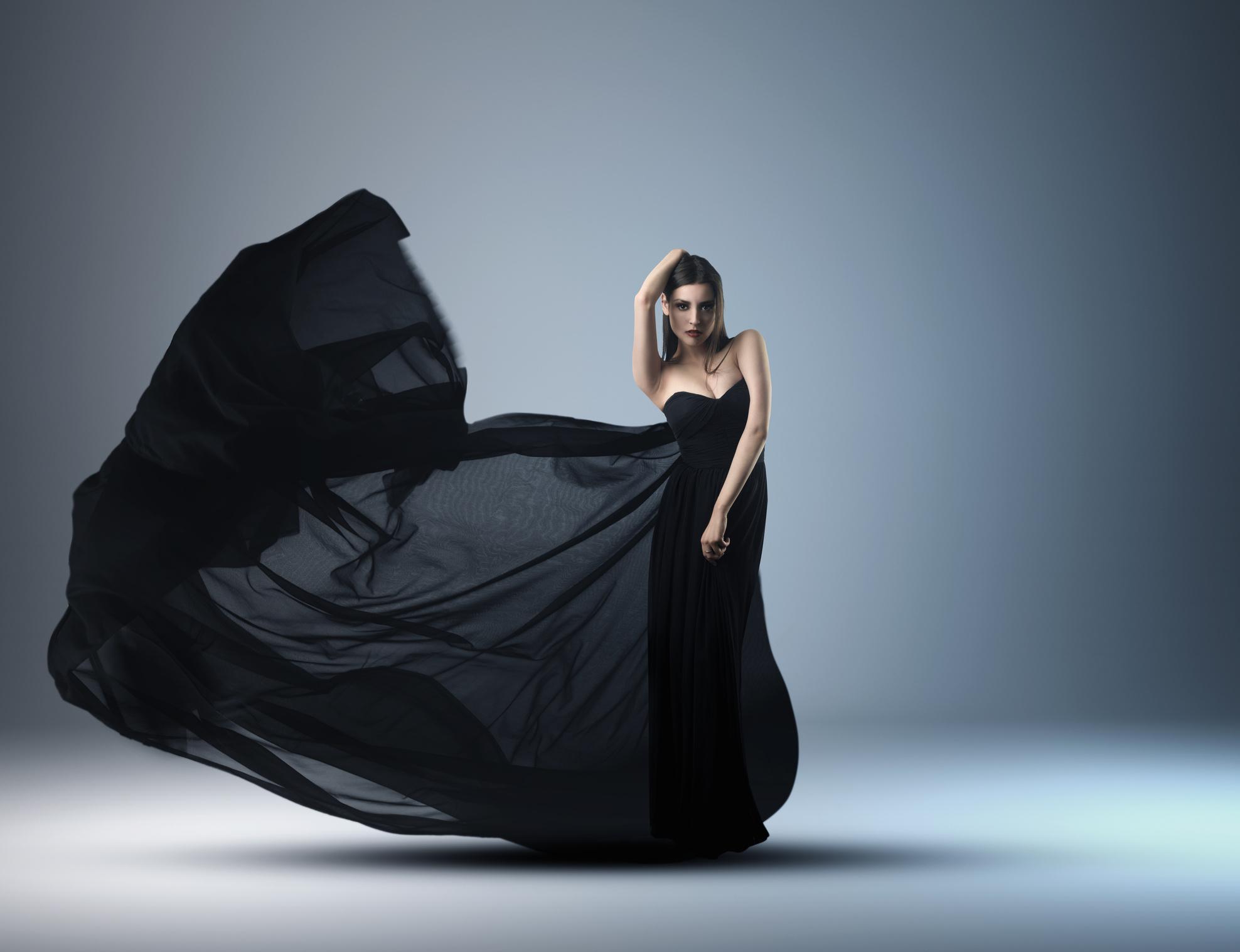 Во сне мне снилась чёрная одежда