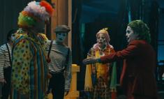 Клоуны устроили массовую драку в сатирическом ролике, посвященном фильмам «Джокер» и «Оно» (видео)