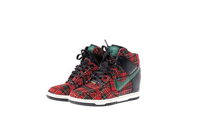 Сникерсы Nike London