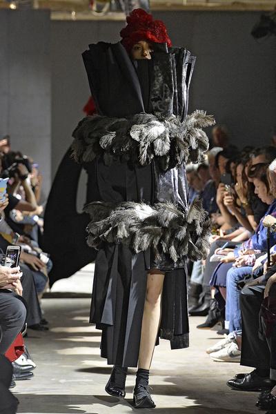 Неделя моды в Париже: день пятый   галерея [4] фото [6]