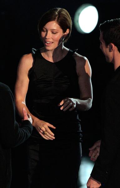 Джессика Билль во время получения награды