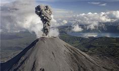 В Индонезии из-за извержения вулкана эвакуируют 40 тыс. человек