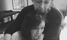 Больная раком Шеннен Доэрти отрезала волосы