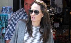 В жару Джоли прячет худобу под шерстяными балахонами