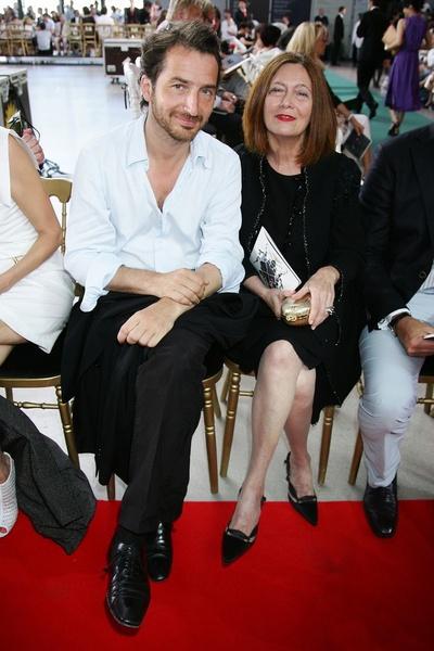 Эдуар Баэр (Edouard Baer) и Франсуаз Лакруа (Françoise Lacroix) на показе Christian Lacroix