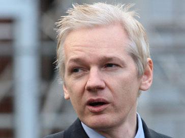 Джулиан Ассанж (Jullian Assange) стал первым после бога в рейтинге журнала Zoo Weekly