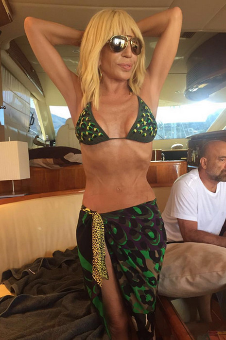 Донателла Версаче в бикини