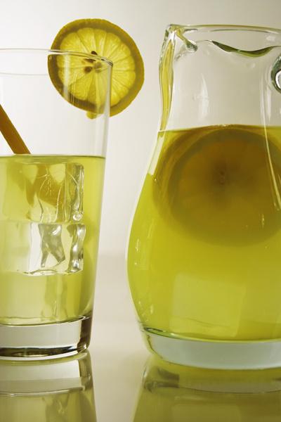 Напиток из меда и лимона