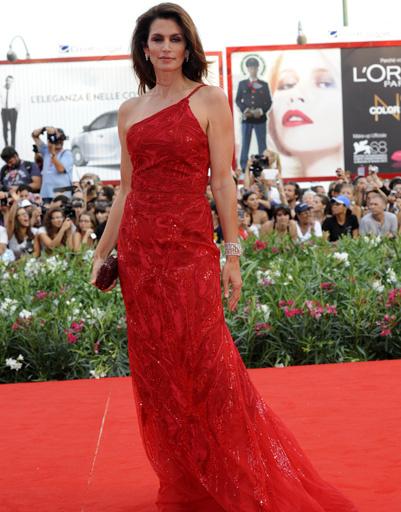 Синди Кроуфорд (Cindy Crawford) на открытии 68-го Венецианского кинофестиваля