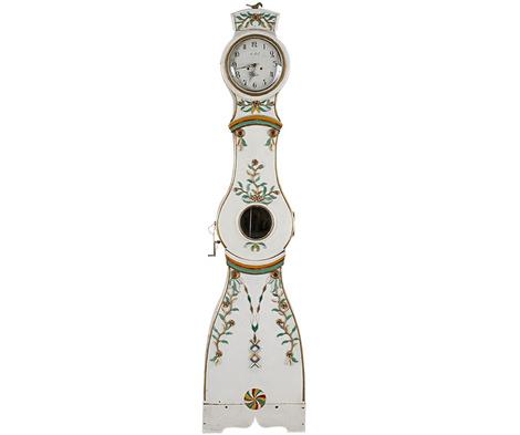 Часы из деревни Мора, продаются в британском интернет-магазине www.wedishinteriordesign.co.uk