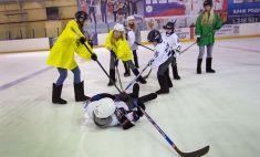 Сразу шесть Малкиных! Красавицы сыграли в хоккей