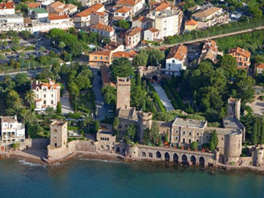 Замок, где прошла свадьба Лавин и Крюгера