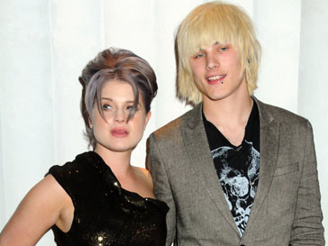 Келли Осборн (Kelly Osbourne) рассталась со своим бойфрендом Люком Ворролом (Luke Worrall)