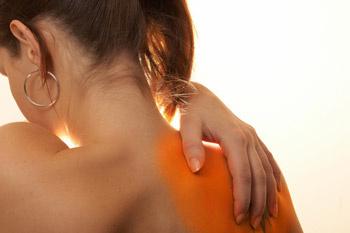 Максимально бронзовый оттенок естественным путем кожа приобретает после трех недель пребывания на солнце.