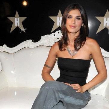 30-летняя модель, телеведущая и начинающая актриса Элизабетта Каналис