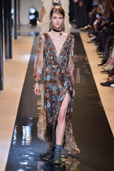 Неделя моды в Париже: показы Alexander McQueen и Paul & Joe ready-to-wear осень — зима 2015-2016   галерея [2] фото [8]