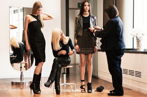 Донателла Версаче лично создавала эксклюзивную коллекцию для H&M