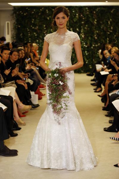 Показ Carolina Herrera на Неделе свадебной моды в Нью-Йорке | галерея [1] фото [12]