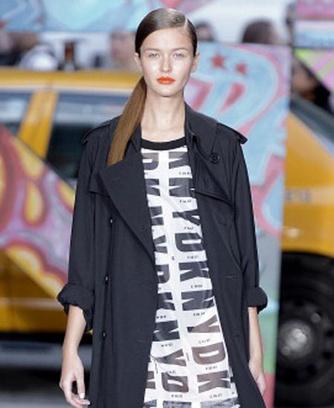Показ DKNY весна-лето 2014