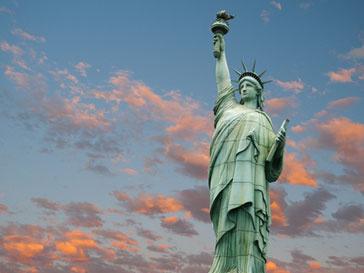 Власти США приняли решение о реконструкции символа свободы страны