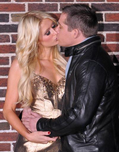 Пэрис Хилтон (Paris Hilton) и Си Уэйтс (Cy Waits)