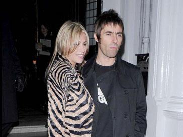 Лиам Галлахер (Liam Gallagher) и его жена Николь Эпплтон (Nicole Appleton) стали образцовыми родителями